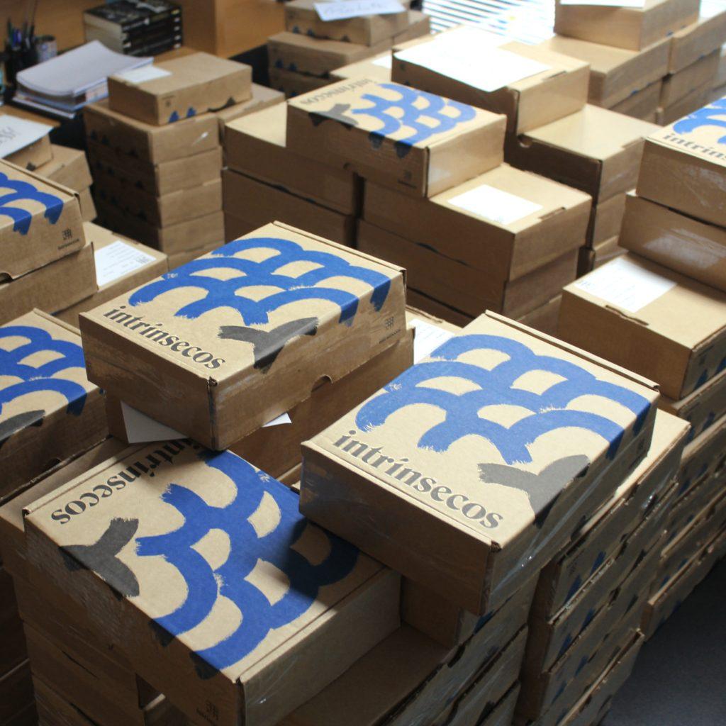 caixas do clube do livro